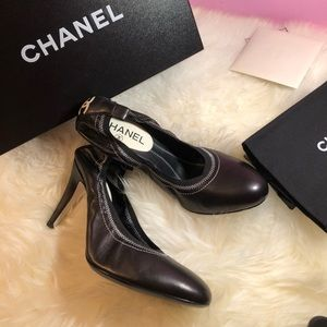 New Authentic Chanel Pumps
